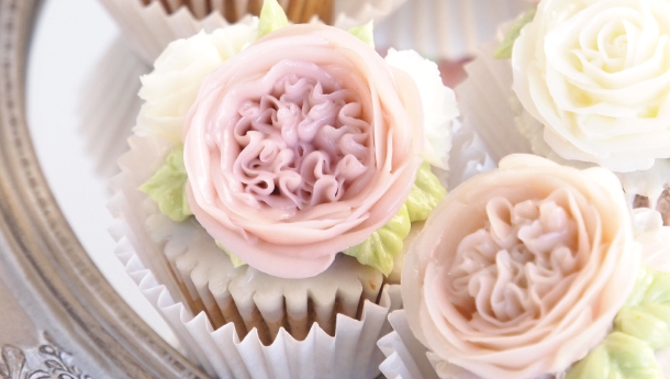 Artisan Series: Create Romantic Korean Cupcakes with Cake Designer